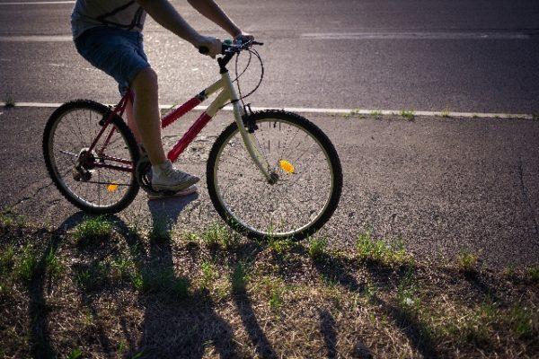 自転車の 子供 自転車 補助輪 外し方 : 子供も乗る自転車…その交通 ...