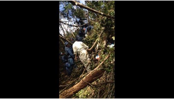 FireShot Capture 080 - 機動隊、抗議の市民をロープで縛る 米軍ヘリパッド建設 - YouTube_ - https___www.youtube.com_watch