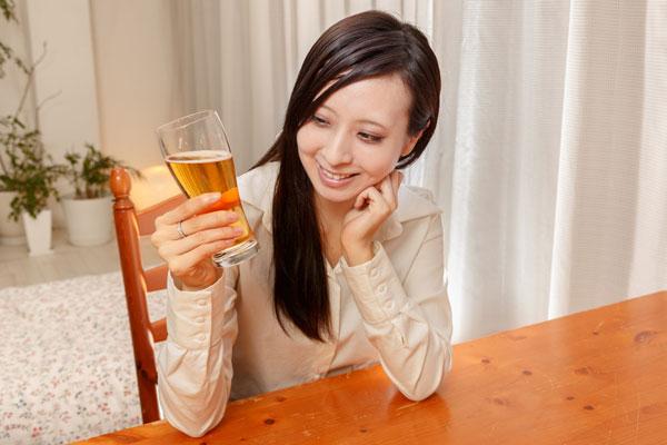 若者のアルコール離れも、毎日晩酌をする20~30代女子は1割1