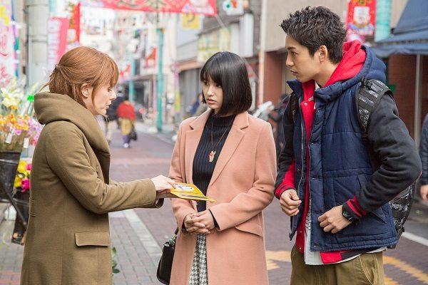 (祐希と早苗カップルの初々しさも好感度が高い 画像提供:テレビ東京『三匹のおっさん3』)