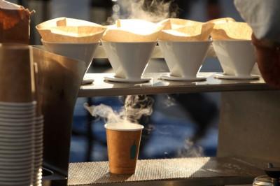 """話題沸騰の「ブルーボトルコーヒー」 日本進出の地になぜ""""清澄白河""""を選んだのか?"""