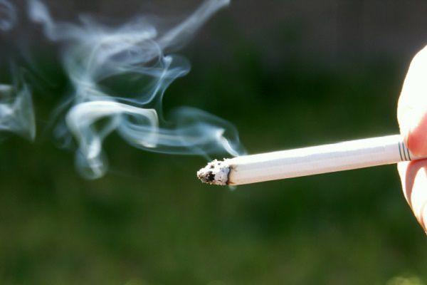 歩きたばこ