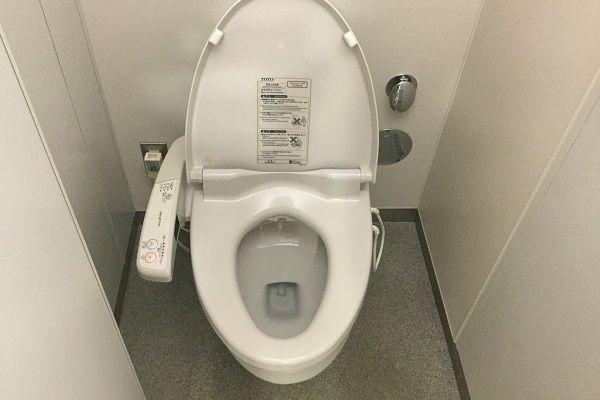 外国人が驚く日本のトイレのすご...