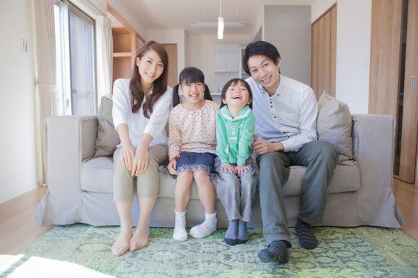 『万引き家族』は「家族の映画」でも「貧困の映画 …