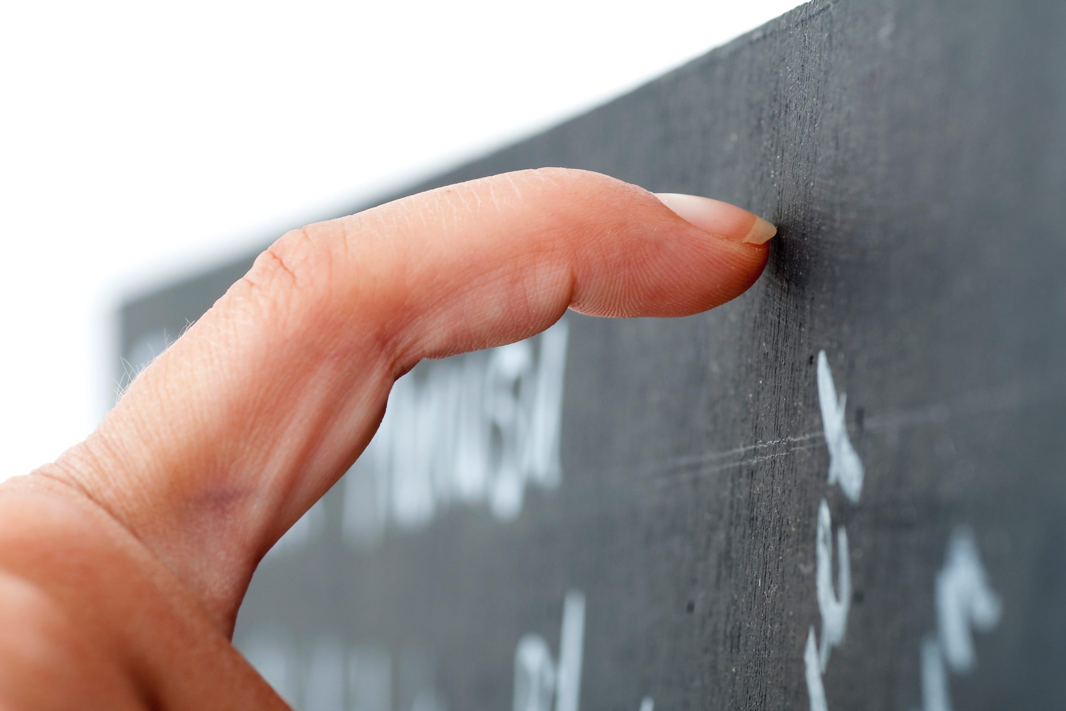 毎朝「アルミホイルを噛む」vs「黒板をひっかく」どっちを選ぶ?