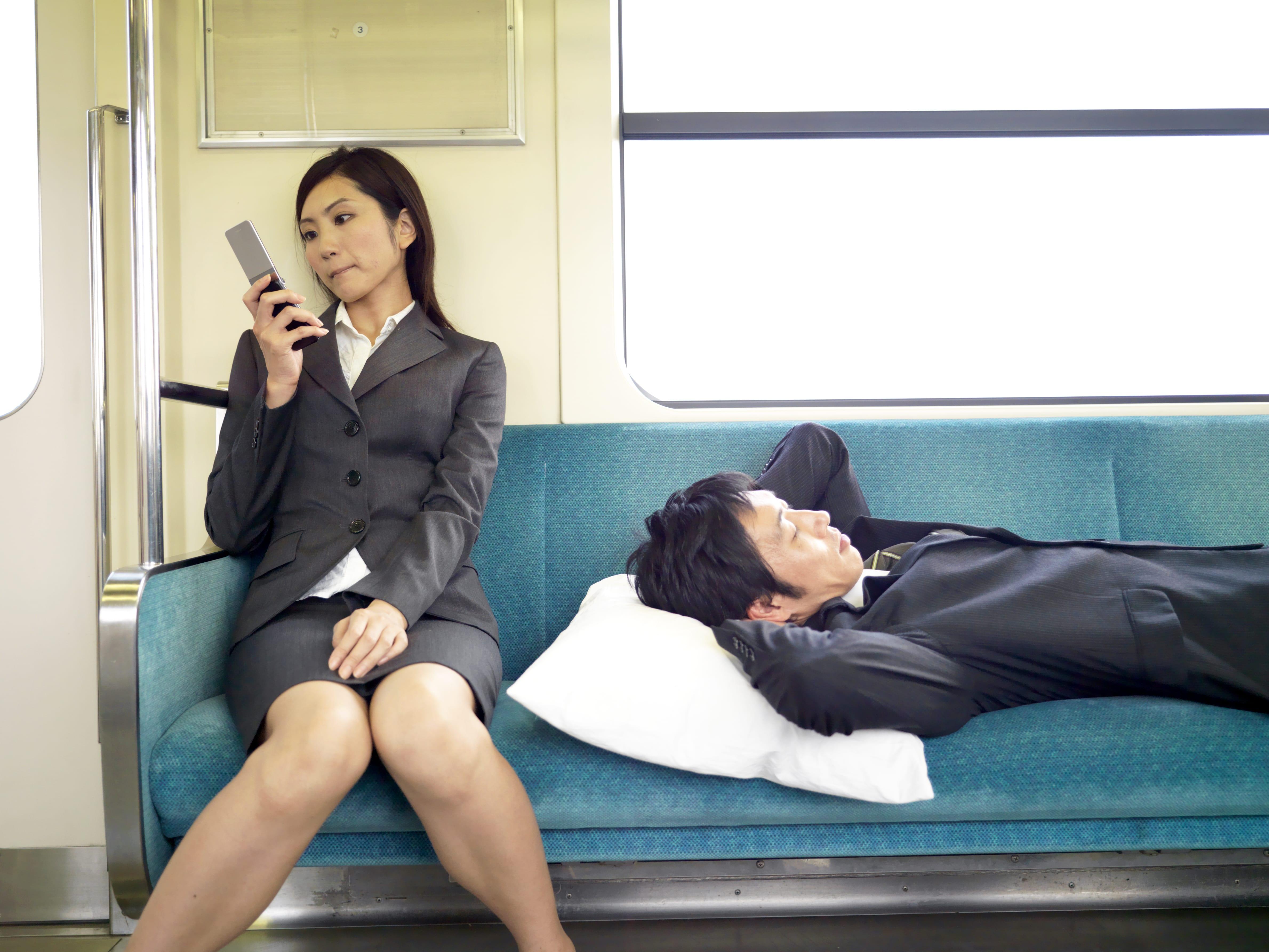 電車のマナー