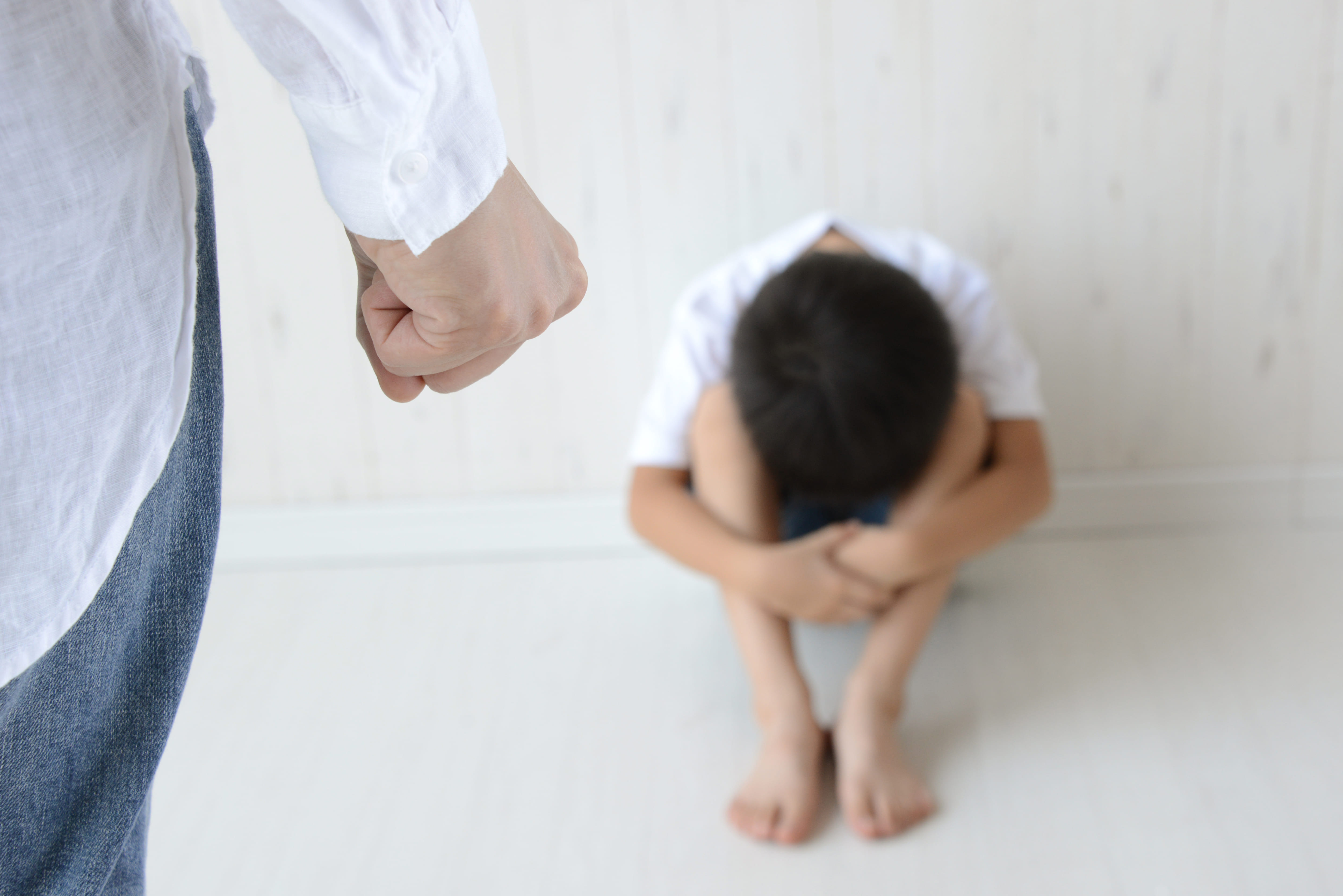 父親が虐待
