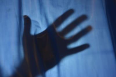 彼女が父親から性的虐待を受けていた… 「それを聞いた彼氏の思い」に賛否が相次ぐ