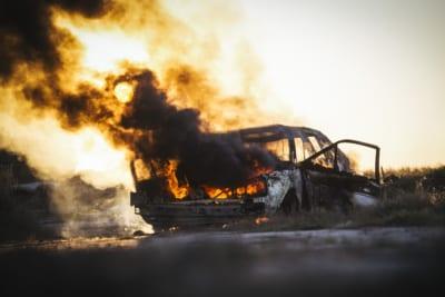 車内で妻に火を放ち殺害した男 直前の行動に「人間じゃない」と怒号