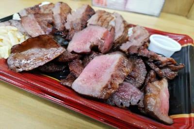 デカ盛りすぎる牛たん弁当が1000円! 仙台の人気店『陣中』の工場直売店が超激安