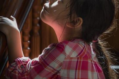 2歳娘、父親から性的虐待か 遺体に残った形跡に「信じられない…」と悲鳴